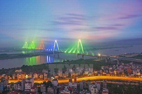 A view of Nhat Tan Bridge in Hanoi (Photo: VNA)