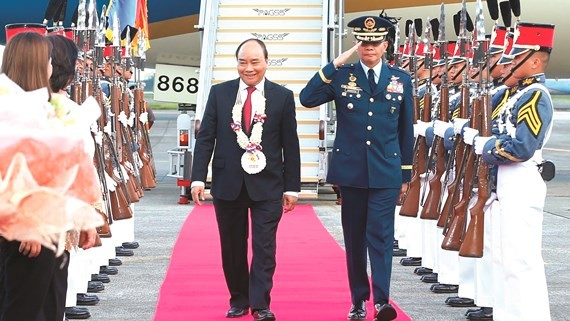 Welcome ceremony of Vietnamese Prime minister Nguyen Xuan Phuc at clark International Airport,Pampanga, Manila capital (Photo:VNA)