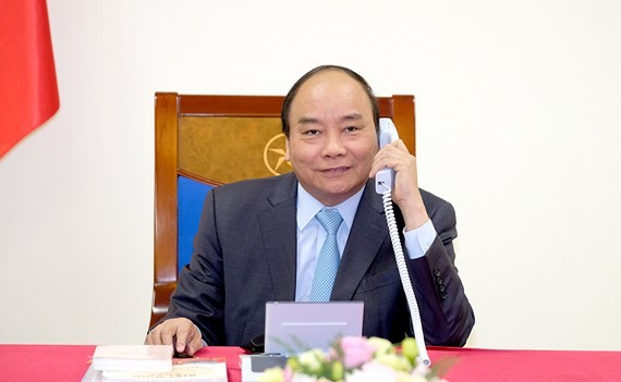 Vietnamese Prime Minister Nguyen Xuan Phuc sends a congratulatory message to Japanese PM Shinzo Abe (Photo: VGP)