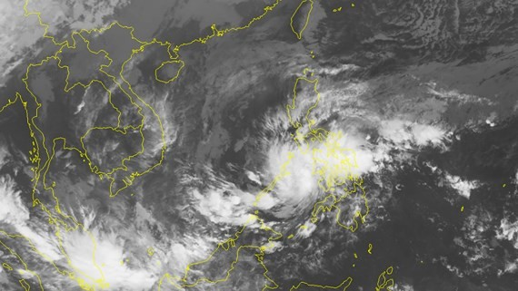 Position of the tropical depression nears East Sea is posed from satellite (Photo:NHMFC)