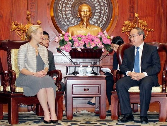 Secretary of the HCMC Party Committee Nguyen Thien Nhan (R) and Minister for Foreign Trade and Development Cooperation of the Netherlands Sigrig Kaag