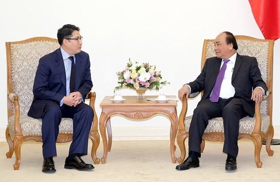 Vietnamese Prime Minister Nguyen Xuan Phuc and Hyosung Group Chairman Cho Hyun Joon