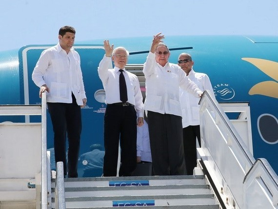 CPV General Secretary Nguyen Phu Trong and First Secretary of the Communist Party of Cuba Central Committee and President of the Council of State and the Council of Ministers of Cuba Raul Castro Ruz arrive at Antonio Maceo Airport to visit Santiago de Cub