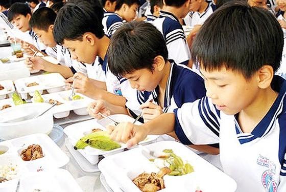 TPHCM: 100% căn tin, bếp ăn trường học lấy nguồn thực phẩm đạt chuẩn vào năm 2020