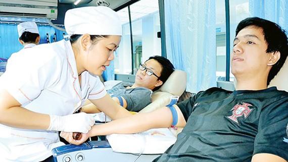 Hiến máu tình nguyện