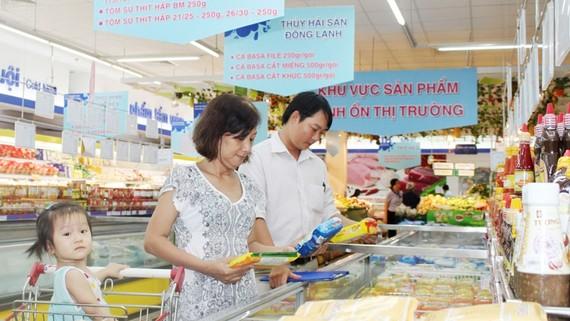 Tiếp tục bình ổn giá hàng hóa hỗ trợ người dân