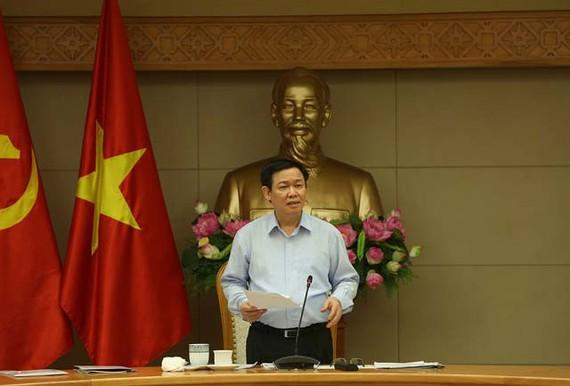 政府副總理王廷惠在會議上發表講話。(圖源:T.C)