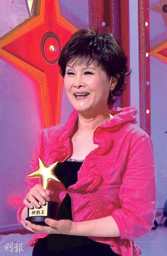 廖麗麗去年在《Sunday好戲王》獲頒「慈母王」。