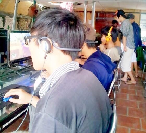 不少年輕人可以通宵達旦、徹夜不眠的玩線上 遊戲。