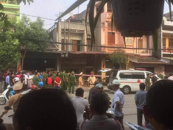 公安機關接報後趕抵現場調查爆破起因。(圖源:DH)
