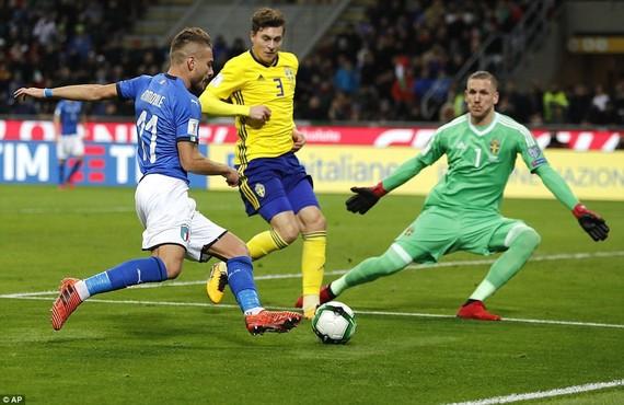 世界盃預選賽歐洲區附加賽次回合又賽1場,意大利主場0比0平瑞典,總比分0比1出局,1958年以來首度無緣世界盃。