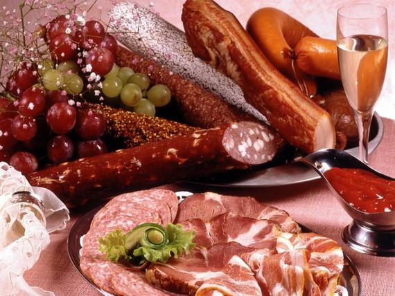 熟肉製品別購選色澤太鮮艷。(示意圖源:互聯網)