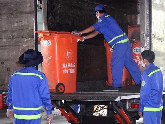 醫療垃圾、工業垃圾運輸車經常進行清洗消毒。