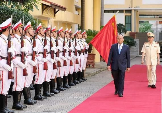 阮春福總理出席公安 力量會議。(圖源:光孝)