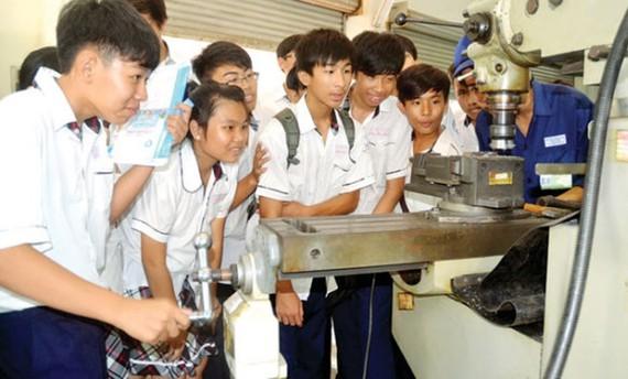 至2025 年全部中學設有職業輔導課程。(示意圖源:互聯網)