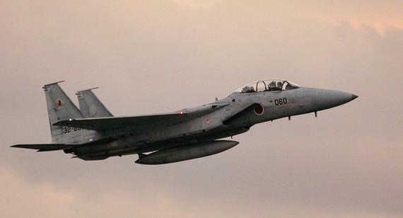 日因美F-15墜機而要求其遵守飛行安全。(圖源:AFP)