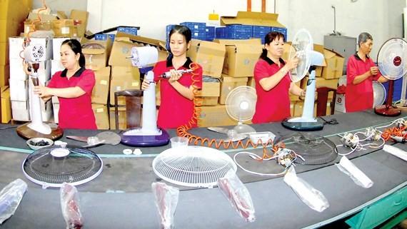 電風扇生產線一隅。