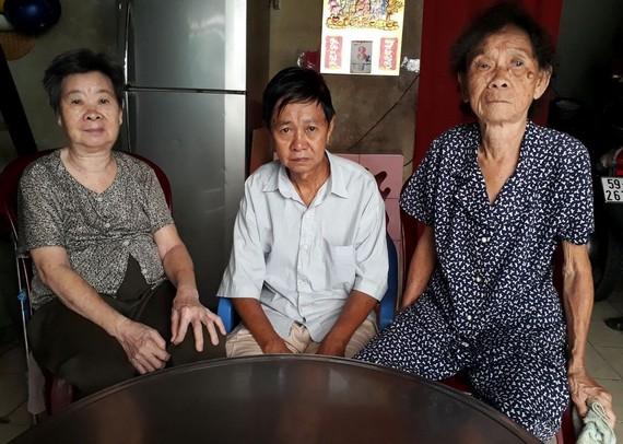 4位長者中的3位,二哥郭信暫時到女兒家養病。