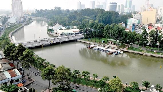 饒祿-氏藝河的水質獲嚴格監測。