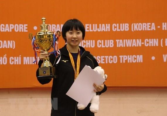 日本運動員Miku Izumo 奪得冠軍。