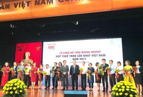 圖為2017年越南繳納營業所得稅最高的1000家企業名單公佈儀式一瞥。