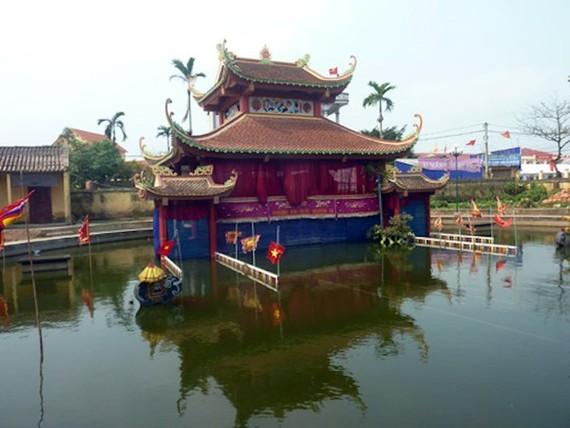圖為太平省東興縣原社和東格鄉的水上木偶戲亭一瞥。(圖源:越通社)