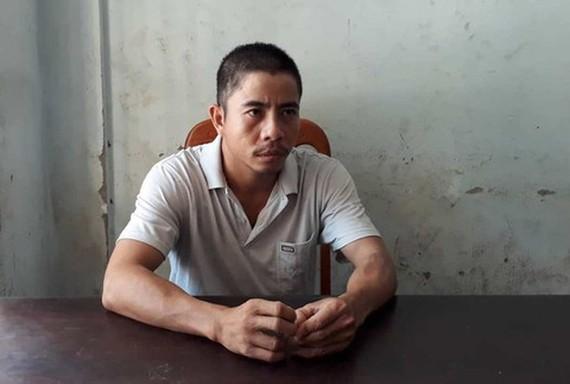 被拘留的嫌犯阮栢輝。(圖源:黃君)