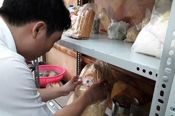 檢驗結果顯示,麵包內的雞肉絲成分呈現感染金黃色葡萄球菌狀態。(圖源:雲山)