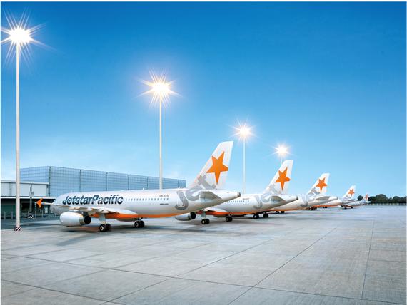 """Jetstar Pacific """"lên tiếng"""" về việc tăng giá vé máy bay và trễ chuyến"""