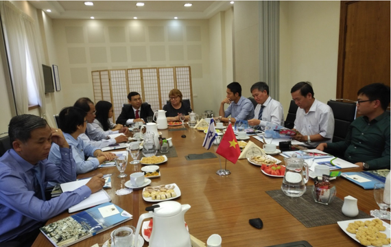 Đoàn công tác của UBND TP Đà Nẵng có buổi làm việc tại Tòa Thị chính thành phố Haifa với bà HedvaAlmog, Quyền Thị trưởng thành phố Haifa