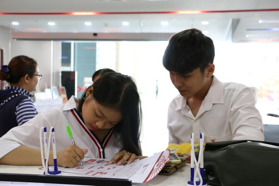 Thí sinh đăng ký xét tuyển vào trường Đại học Hồng Bàng