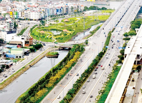 Hanoi Highway after expansion in HCMC (Photo: SGGP)
