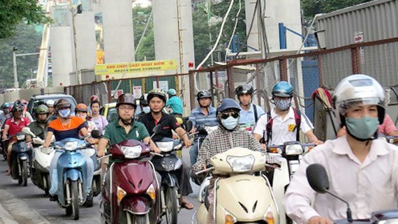 Xuan Thuy street narrowed by Nhon-Hanoi station project in Cau Giay district, Hanoi (Photo: SGGP)