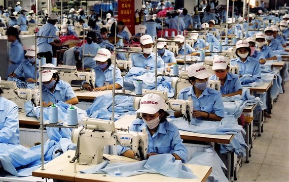 Garment products for export at Duc Giang Corp, an affiliate of Vietnam Textile and Garment Group.  (Photo: VNA/VNS)