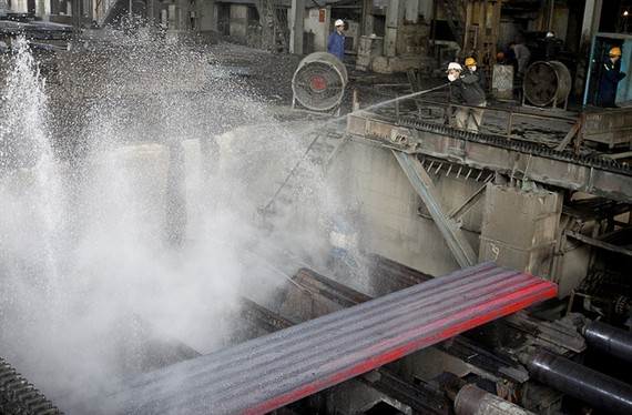 Steel billet is cooled at Luu Xa Steel Mill, a provider of ingot steel for Thai Nguyen Iron-Cast Steel Plant. (Photo: VNA/VNS)