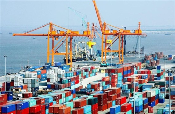 Vietnam is likely to reach total export turnover of US$200 billion for 2017, increasing more than 13 per cent from last year and exceeding the set target. (Photo: cafef.vn)