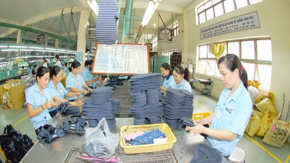 Footwear making at Bitis Company (Photo: SGGP)