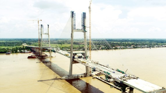 Cao Lanh bridge was connected in early September (Photo: SGGP)
