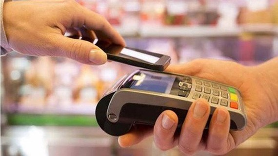 Vietnam's market will have over 300,000 card readers installed at POSs to process around 200 million transactions per year.(Photo: cafef.vn)