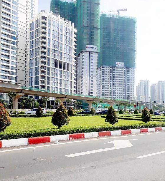 An under-construction stretch of Ben Thanh-Suoi Tien metro line in HCMC (Photo: SGGP)