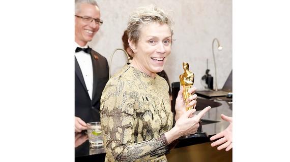 Suýt mất tượng Oscar