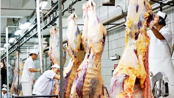 Thịt bò giết mổ công nghiệp  tại  Vissan