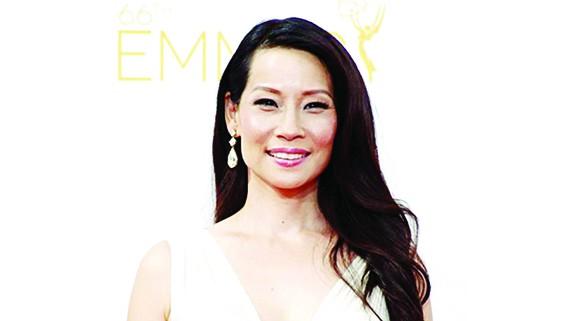 Lucy Liu nhận sao trên Ðại lộ danh vọng