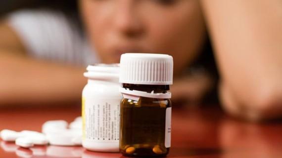 Giới trẻ Anh lạm dụng thuốc chống trầm cảm