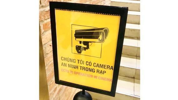 Sau khi xảy ra sự việc phát tán ảnh nhạy cảm trong rạp, cụm rạp CGV đã đặt biển cảnh báo