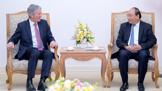Thủ tướng Nguyễn Xuân Phúc đã tiếp ông Damien O'Connor. Ảnh: VGP