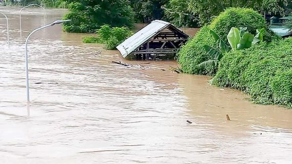 Thủy điện xả lũ gây ngập lụt trong các ngày 30, 31-8 tại huyện Tương Dương