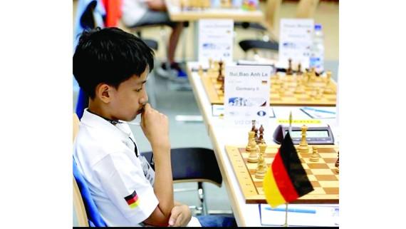 Đằng sau kỳ thủ cờ vua gốc Việt ở Đức