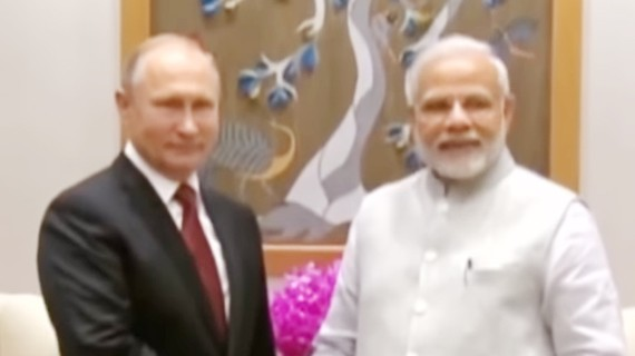 Tổng thống Nga Vladimir Putin và Thủ tướng Ấn Độ Narendra Modi.