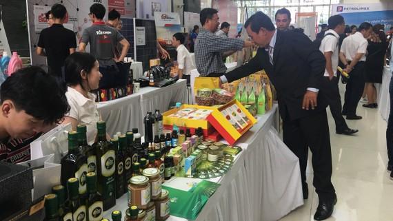 Nhiều doanh nghiệp nội đã quan tâm đến việc tận dụng lợi thế chỉ dẫn địa lý  để tăng sức cạnh tranh của sản phẩm Việt